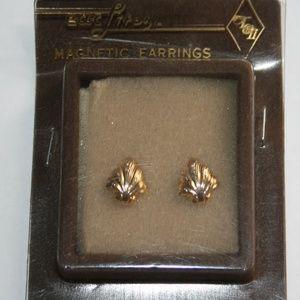 Vintage magnetic gold leaf earrings NWT